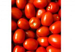 Tomate: Al productor le pagan el kilogramo de tomates peritas 7,69 pesos, pero en las góndolas del supermercado cuesta 25,9. La diferencia es de 3,37 veces, un 236% más caro.